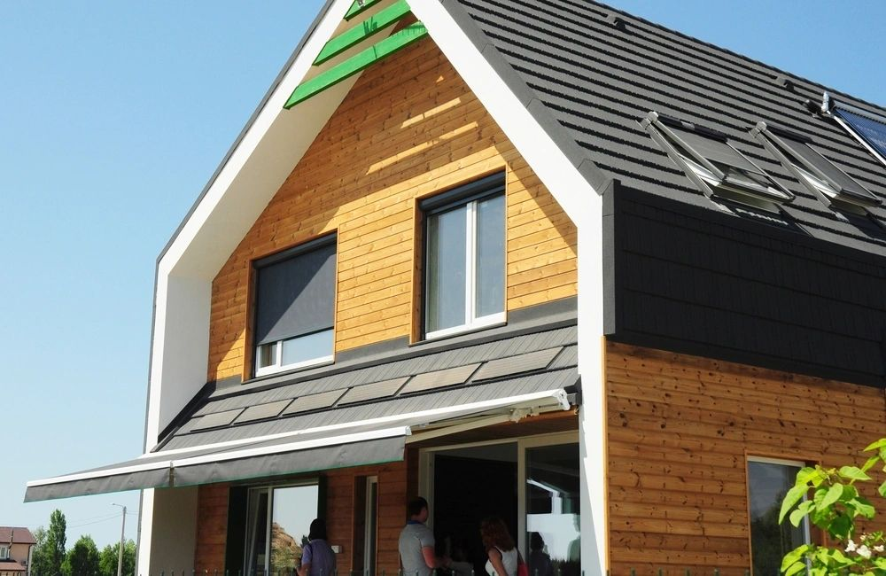 INSTALLING AN ENERGY EFFICIENT ROOF COULD SAVE YOU MONEY